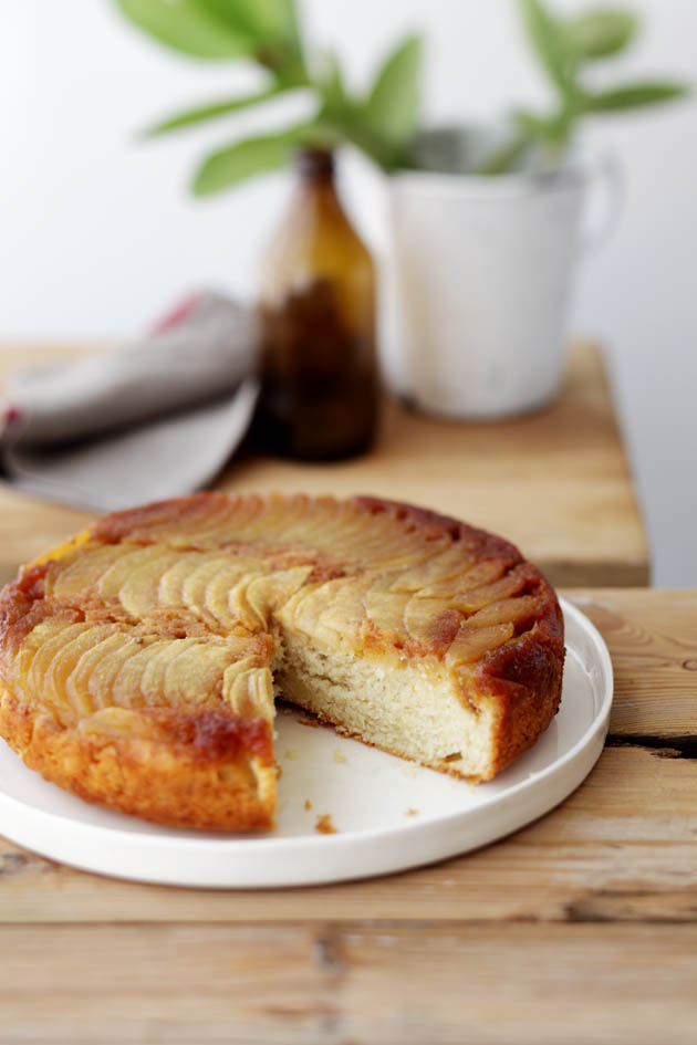apple calvados cake
